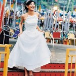 Fun-magazine-inspired-trash-the-dress-shoot-by-female-photographer-Lisa-B1