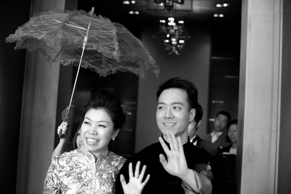 Black and white Chinese wedding photography