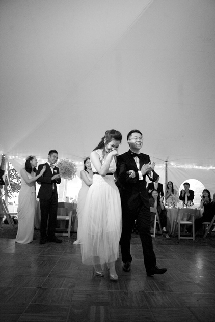 couples on the dance floor at wedding by photographer Lisa Burrett